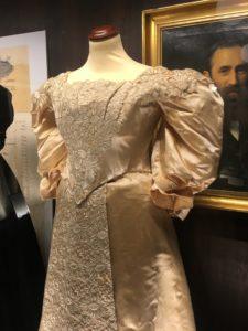 Brudekjole 1887 Magasin